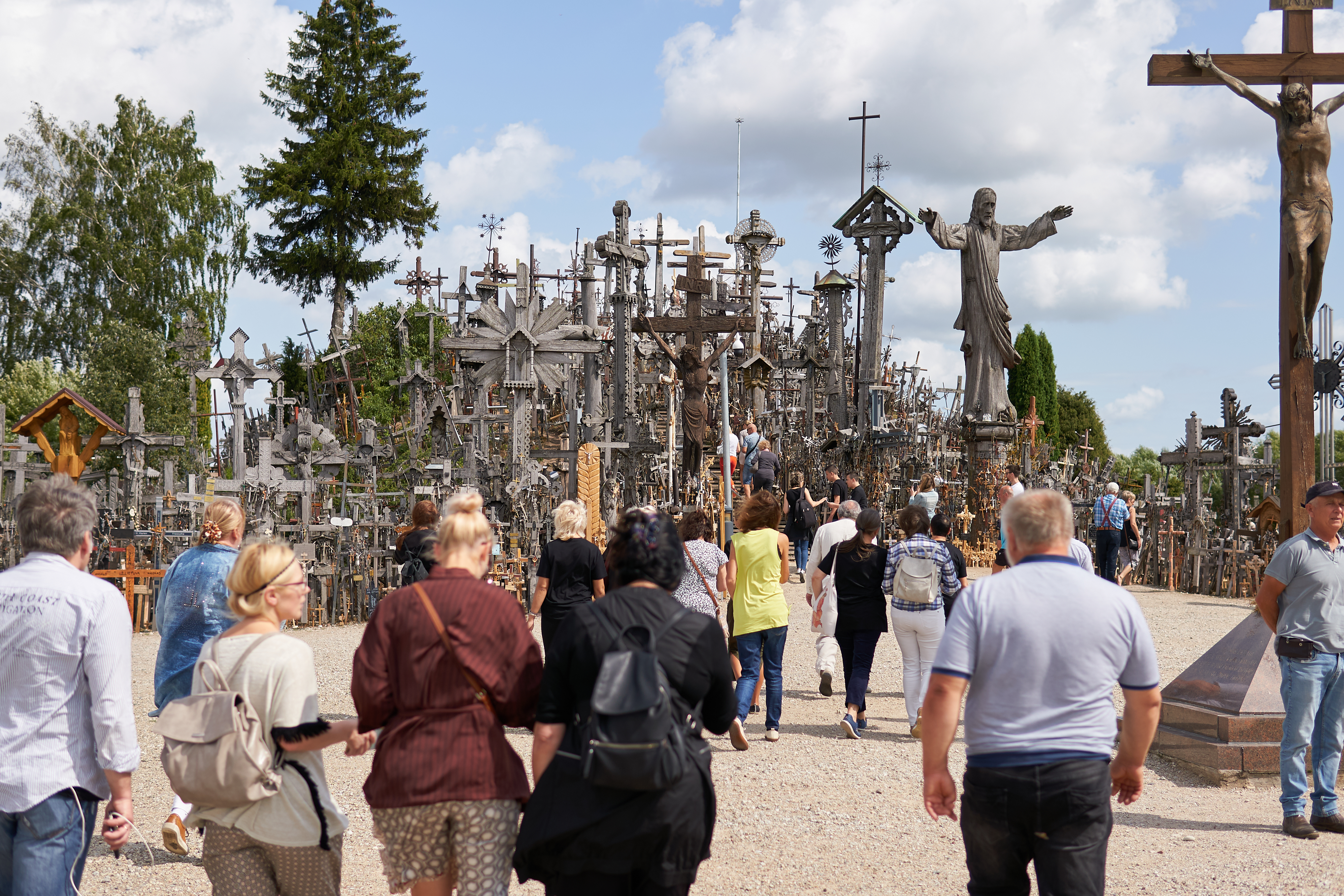 Hill of crosses and Joniškis tour